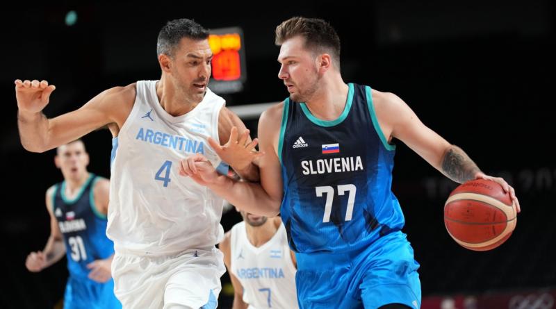 Luka Doncic y Luis Scola - Argentina vs Eslovenia en JJOO